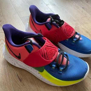 Brand new limited edition Nike shoes size 6.5 Men, 8 women